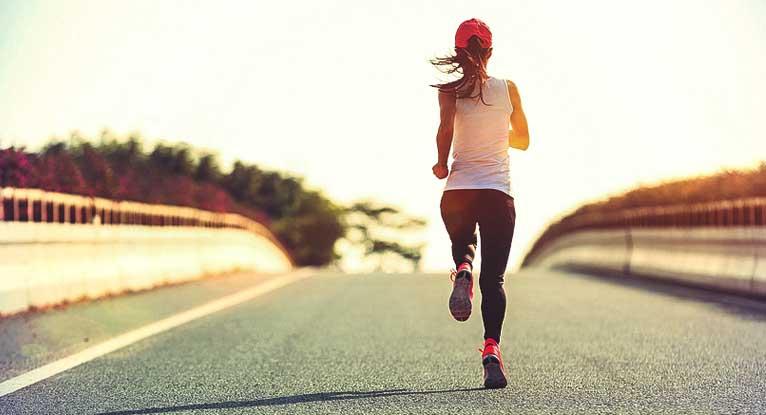 766x415_THUMBNAIL_How_Many_Calories_Do_You_Burn_Running_a_Mile